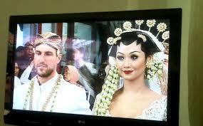 Foto Pernikahan Indah Kalalo Justin