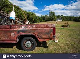 rusty pickup truck usa maine wells rusty pickup truck stock photo 147351727 alamy