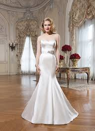 wedding dresses to suit your body shape