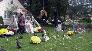 Yard Halloween Decorations 29 Halloween Decorations That Will Scare Your Neighbours
