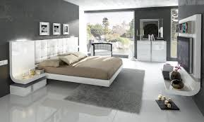 granada platform bedroom in white lacquer finish by esf furniture