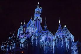 disneyland during thanksgiving week disneyland in winter 3 reasons to go and 5 not to