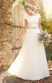 modest wedding dress best 25 modest wedding ideas on modest wedding