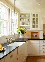 Black Countertop Kitchen by Best 20 Cream Kitchen Cabinets Ideas On Pinterest Cream