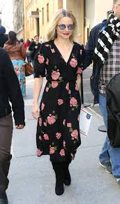 kristen bell works real world style in reformation at the abc
