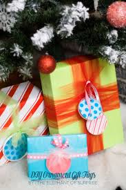 diy holiday gift wrap ideas and banners creative juice