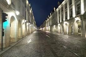 au bureau orleans rue royale doet haar naam eer aan picture of au bureau