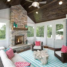 Screen Porch Fireplace by Best 25 Screened In Porch Ideas On Pinterest Screened In Deck