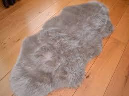 silver grey faux fur sheepskin style rug 70cm x 100cm amazon co
