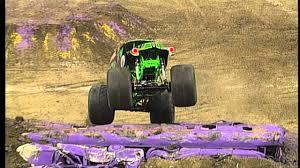 grave digger monster truck schedule monster jam grave digger freestyle in new orleans jan 25 2014