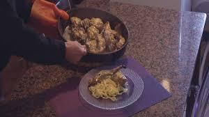 cuisiner lapin comment cuisiner un lapin à la moutarde plats cuisine vins