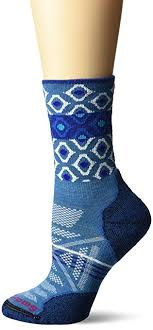 smartwool phd ski light pattern socks amazon com smartwool women s phd outdoor light pattern crew socks