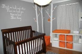 chambre enfant gris chambre bébé orange