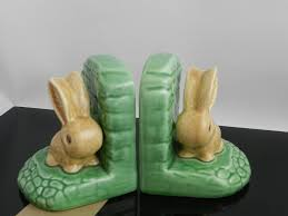 rabbit bookends a pair of sylvac pottery rabbit bookends model no 1311 11cm high