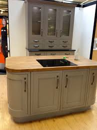 b q kitchen islands b q kitchen that i home ideas kitchens