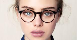 imagenes de mujeres inteligentes y bonitas la gran pregunta qué prefieren los hombres en una mujer belleza o