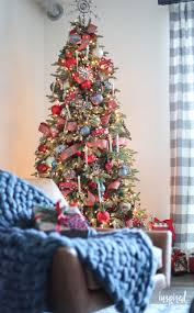 modern christmas tree how to style a rustic modern christmas tree for christmas