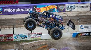 monster truck show phoenix photos u0026 videos page 4 monster jam