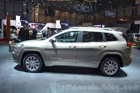 jeep cherokee grey 2019 jeep cherokee spy shots reveal shift to conventional headlamps
