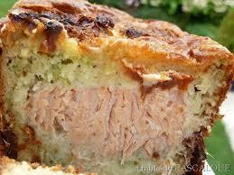 que cuisiner avec des poireaux cake poireaux et saumon la table de pascaloue