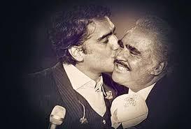 Vicente Fernandez Memes - celebrando con mi familia mi mayor regalo en la vida grupo milenio