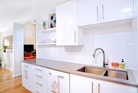 white contemporary kitchen cabinets gloss high gloss white cabinets houzz