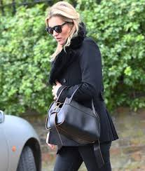george michael u0027s family famous friends attend private funeral