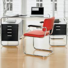 bureau design noir laqué bureaux design cerise sur la deco