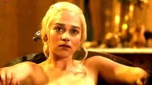 Emilia Clarke Bathtub Emilia Clarke Compartido Imagen Por Rab680 Imágenes Españoles
