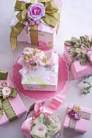 Gift Wrapping Bow Ideas - gosta de flores coloque as nas embalagens de presente das pessoas