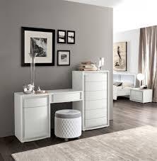 Wohnzimmer Deko Grau Wohndesign Geräumiges Moderne Dekoration Graue Farbe