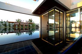 Modern Villas by Modern Villa Pools Interior Design Ideas