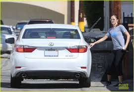 lexus es white chris evans drives a 2013 lexus es 350 autoevolution