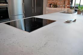 plan concrete concrete countertop kitchen plan de travail en béton brut