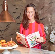 who is pippa middleton kate u0027s younger sister who married james