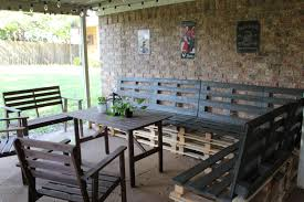 Home Decor With Wood Pallets by How To Construct An Outdoor Wooden Pallet Couch Pallet Idea