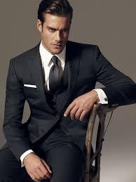 costard homme mariage les 25 meilleures idées de la catégorie costumes gris pour hommes