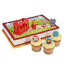 daniel tiger cake daniel tiger officially licensed cake topper and 24