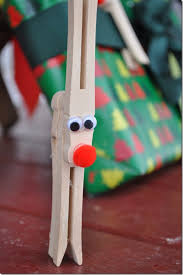 clothespin reindeer craft for