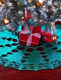 25 free crochet christmas tree skirt patterns hooked goodies