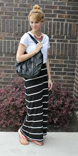 mixing prints with a pair of chic sandals mom fabulous