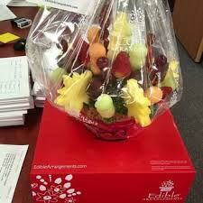 fruit arrangements delivered edible arrangements 15 reviews gift shops 1685 s colorado eat