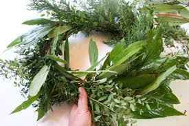 how to make a natural evergreen wreath the everyday home