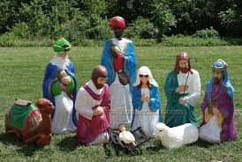 size outdoor nativity no wisemen yonder