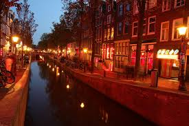 hostel amsterdam red light district is the red light district in amsterdam really worth seeing mannaexpress