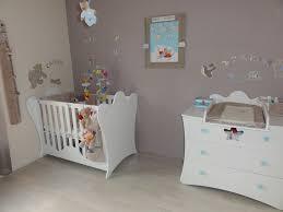 chambre bébé idée déco la peinture chambre bb 70 ides sympas dans idée déco chambre bébé
