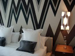 Graphic Wall Art Gives Boring Walls New Life Burnett PAINTING - Interior design wall painting