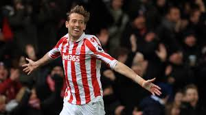 Peter Crouch Meme - this peter crouch holiday tweet shows he s the premier league s