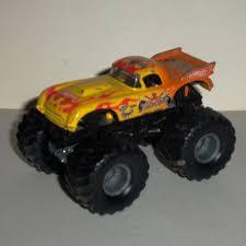 hotwheels monster jam trucks wheels monster jam vette king 1 64 diecast truck vetteking