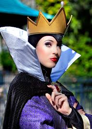 the evil queen from snow white and the seven dwarfs her